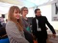 Yahia Belaskri et deux bénévoles de Lecture en Tête